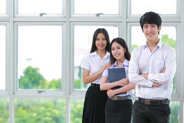 「应届生」应届毕业生该怎么签三方协议?